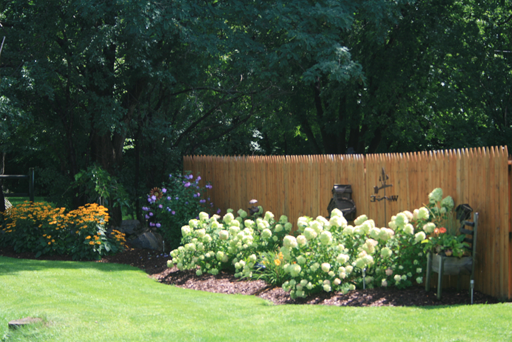 Wood Privacy Picket Fence