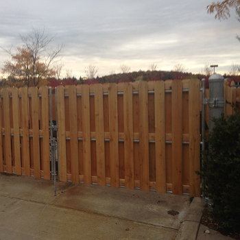 Best Custom Wood Fence Contractor in Syracuse NY